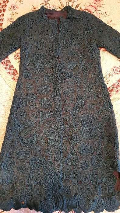 Продается вязаное пальто ручной работы