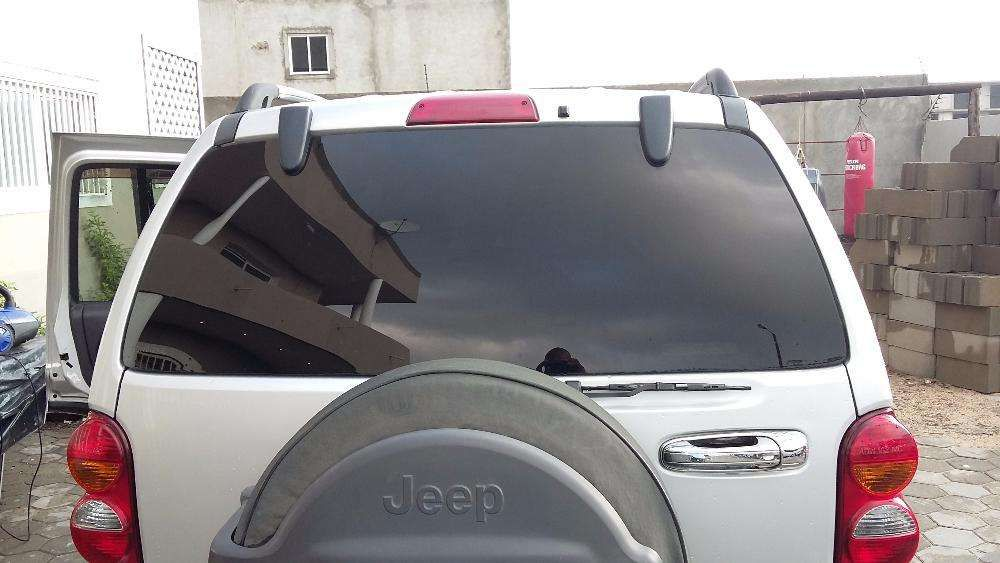 Jeep Cherokee 3.7ltr V6 Beira - imagem 4