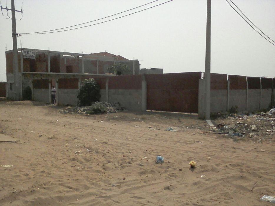 Casas terrenos e Obras, até: 2.900.000.kzs.