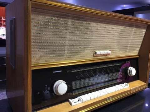 Aparat radio Capri anul 1960