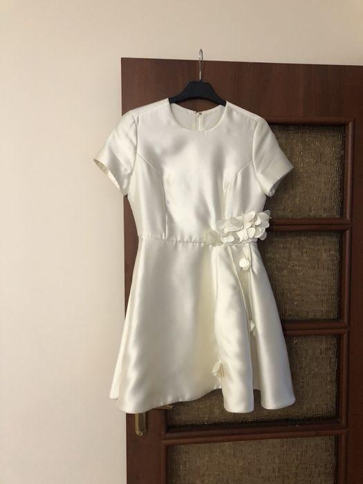 Продам дизайнерское женское платье ,размер -М.