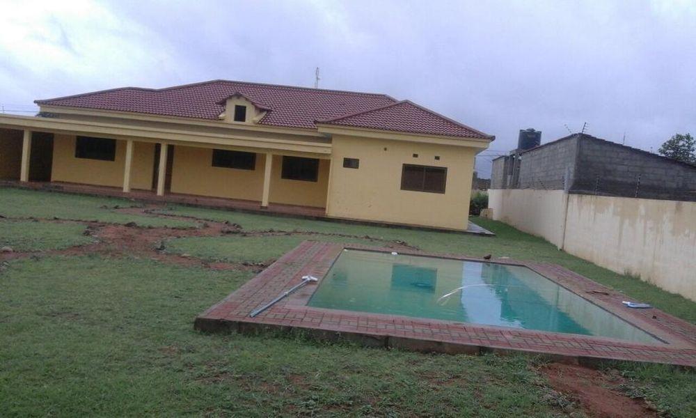 Vende-se moradia tp3 luxousa na matola tchumene (1) c/piscina Cidade de Matola - imagem 3
