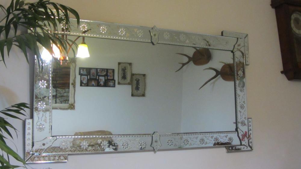Oglinda mare cu model