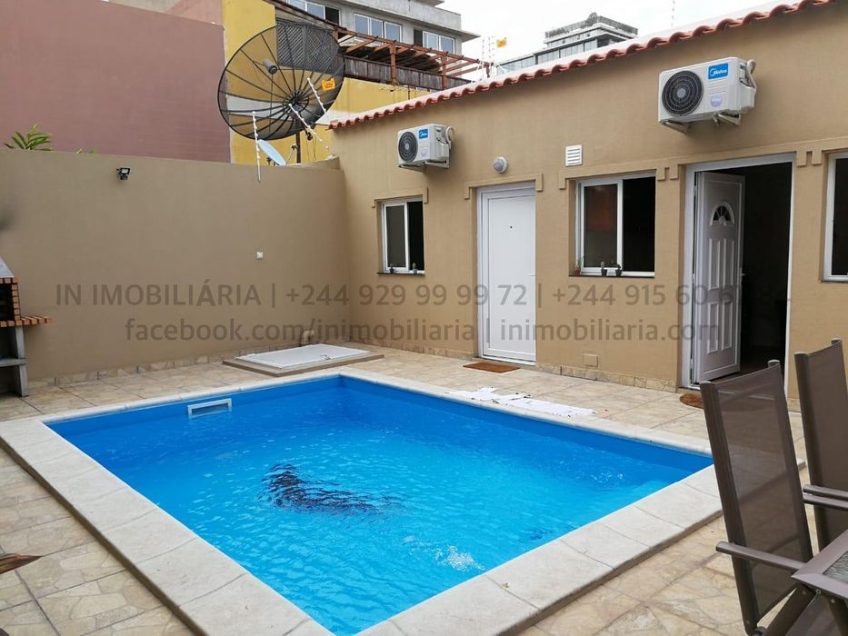 Vivenda T4 sendo todos quartos suites, a venda no Bairro Maculusso. D