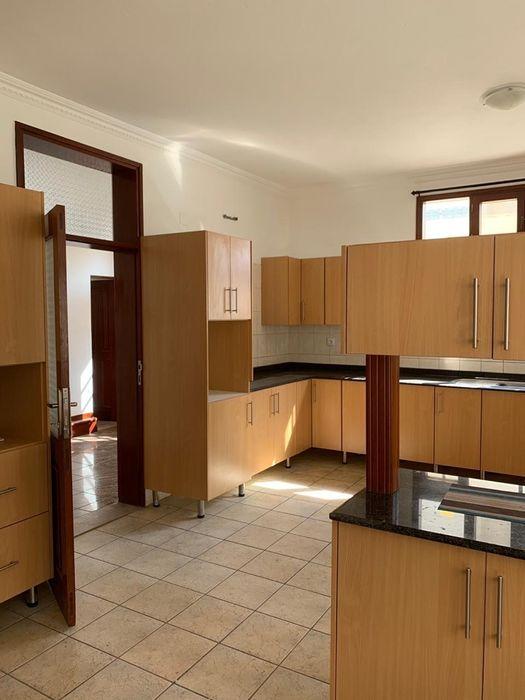 Na Sommerchield II, Moradia T4 (2 suites), 2 WCs, Piscina, Jardim, C Sommerschield - imagem 7