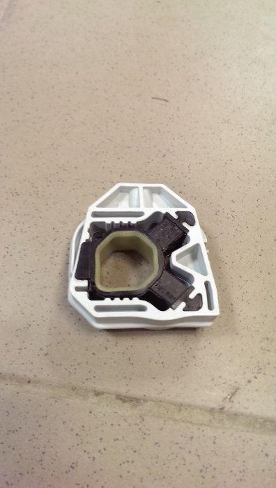 Кронштейн крепления радиатора боковой Шкода Рапид (Skoda Rapid)