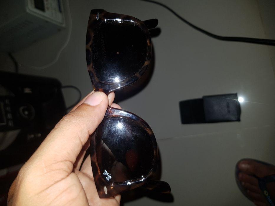 Vendo esses óculos Ray. Ban original quanto garantes?