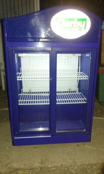 Minibar vitrina frigorifica usi duble culisante pentru bar