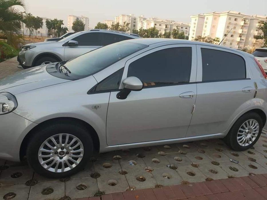 Fiat punto carro de mulher limpo