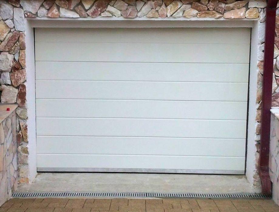 Usi de garaj 2700*2400