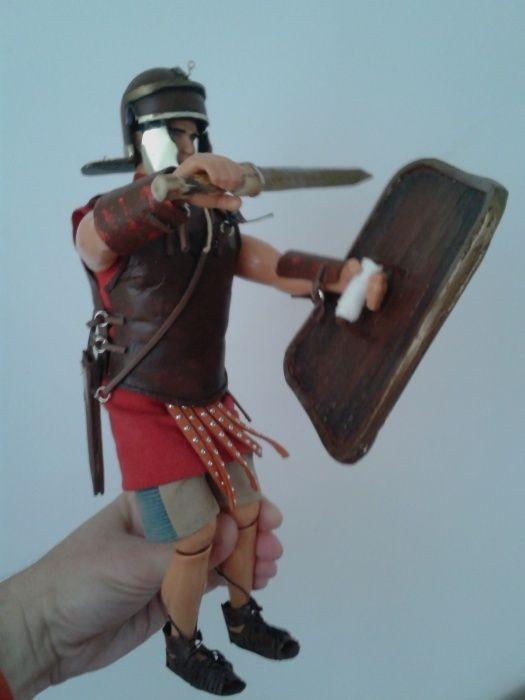 Figurina 1/6 soldat roman cu gladius pumnal scut lorica caligae Hasbro