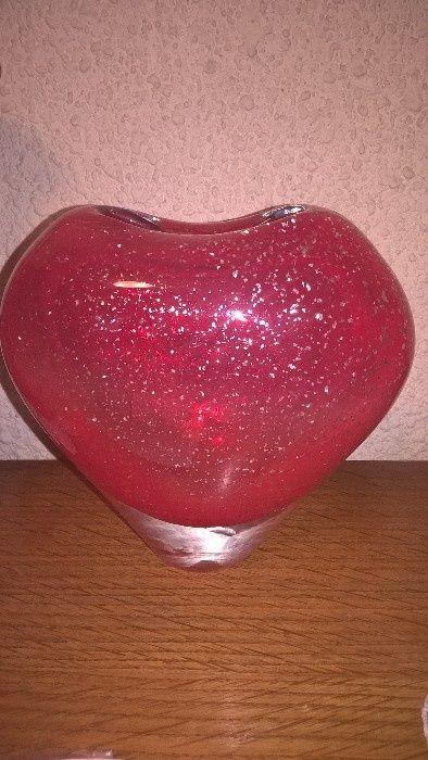Vaza rosie inima sticla groasa ideal cadou