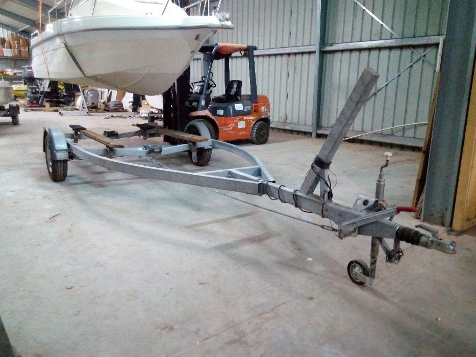 Reboque galvanizado p/barco 7mt
