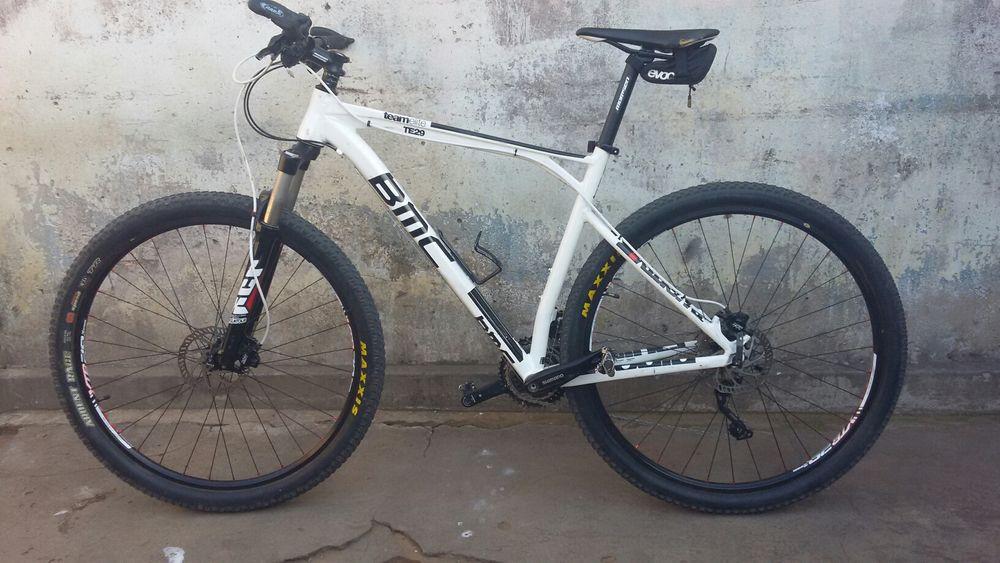 BMC Bicicleta Profissional r29 Aluminio , usa óleo e disco .