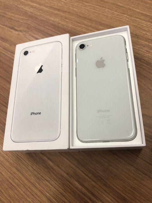 IPhone 8 64GB branco com caixa e cabo
