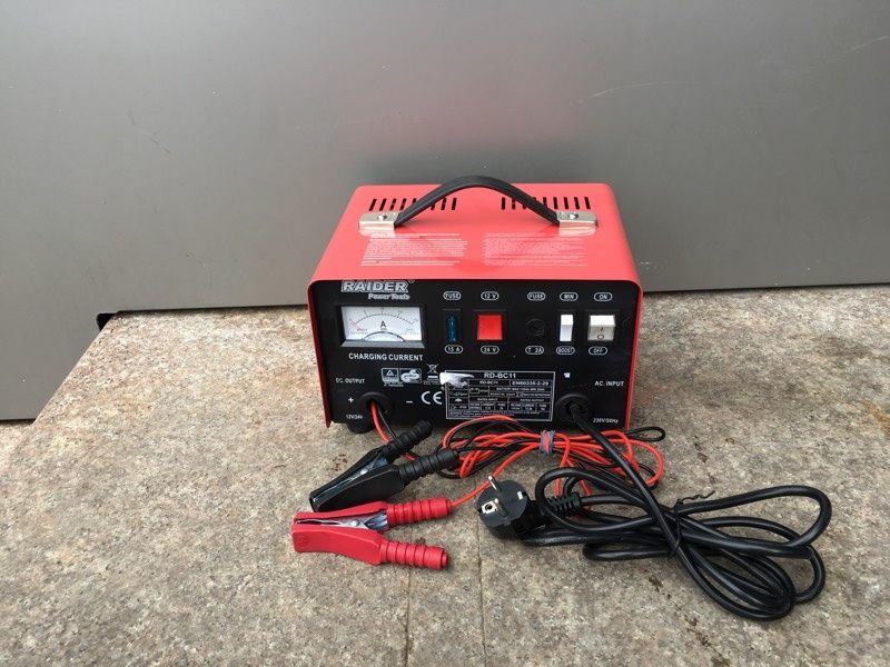 Зарядно за акумулатор RD-BC11