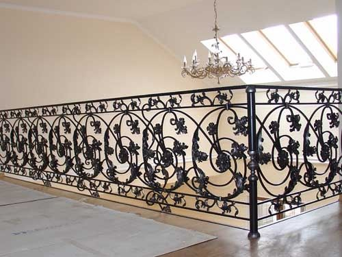 Кованные ворота, двери, беседки, перила, балконы, скамейки, качели.