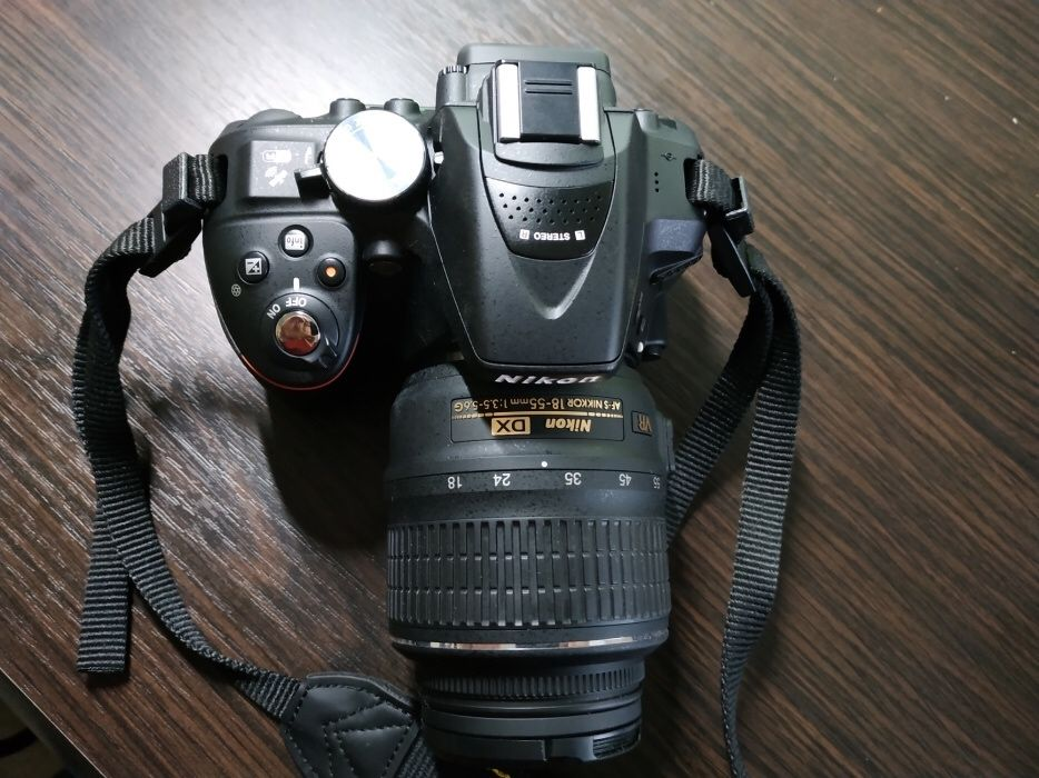 Nikon D5300, 18-55 VR kit, 400.000kz