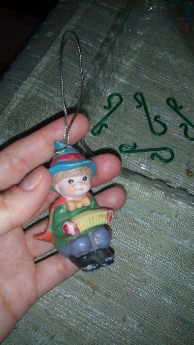 Figurine ceramice pentru bradul de Crăciun