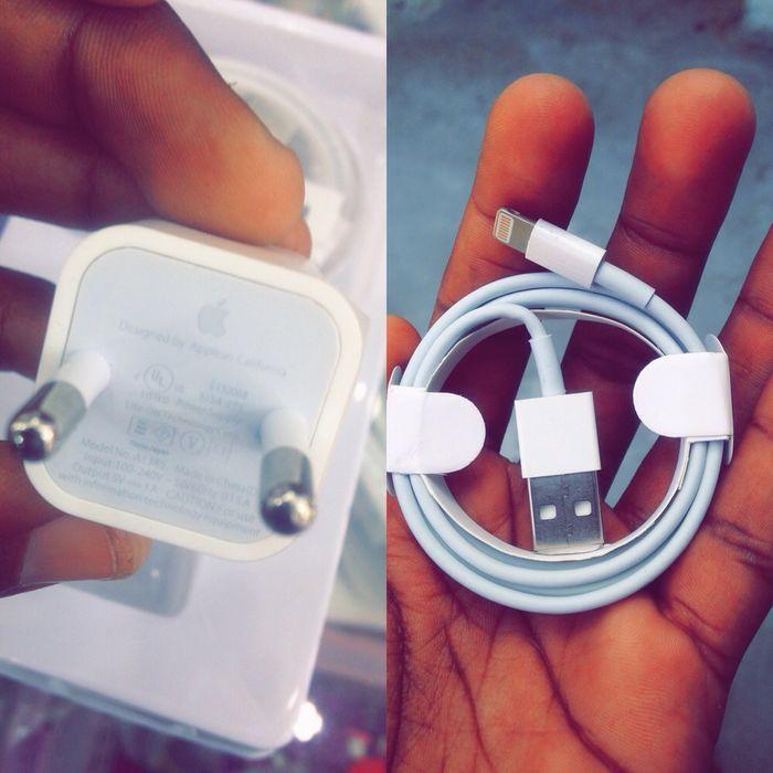 Carregador iPhone original por apenas 800Mts