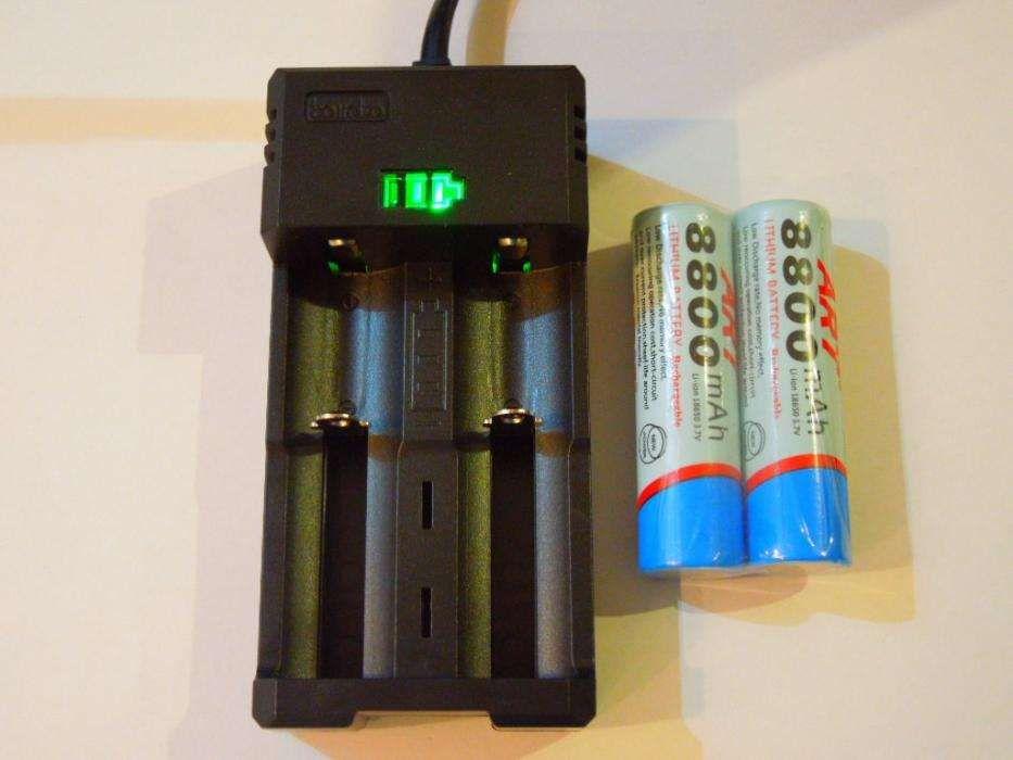 Incărcător Dublu+2 Acumulatori ART18650 8800mAh Pt Lanterne, Lasere..