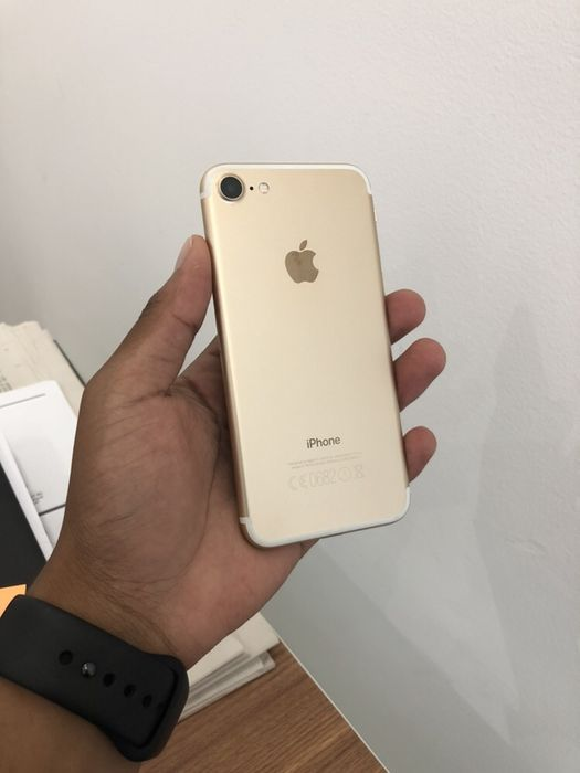 IPhone 7 128GB Gold novo com Cabo de oferta
