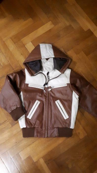 Продам куртку на мальчика. Утепленная ,кожанная .Размер (3-5лет)