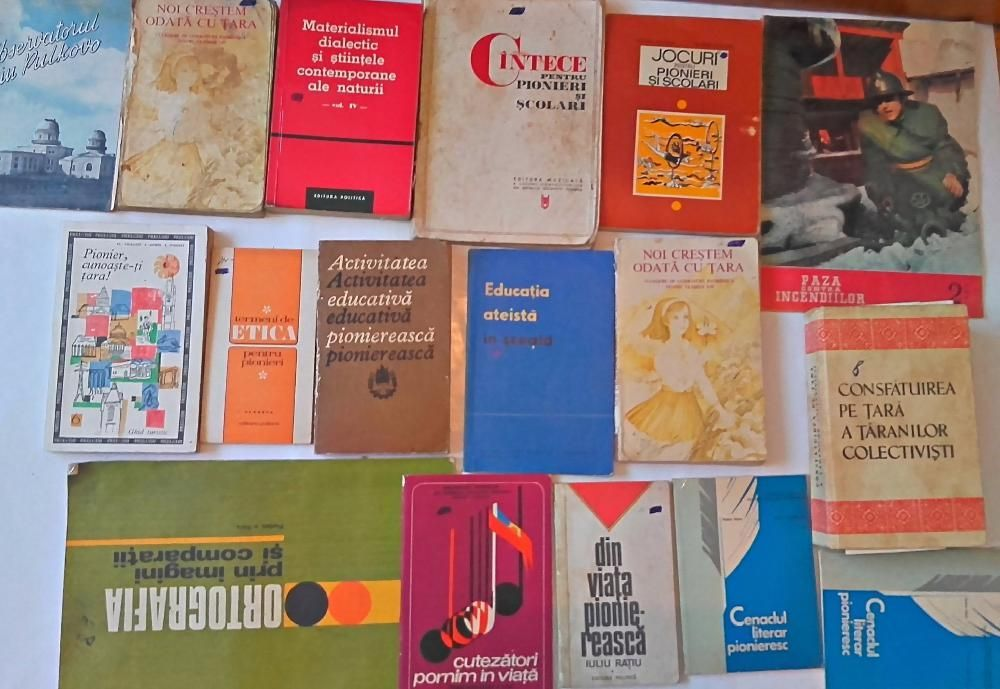Carti despre pionieri vechi etc,colectie
