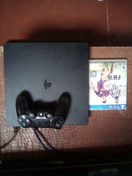 PS4 a venda com dois jogos