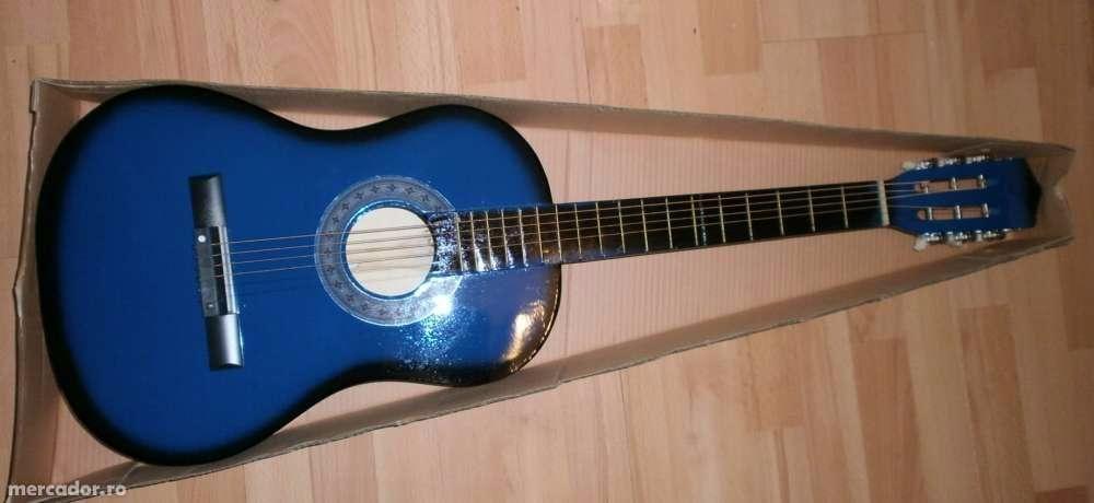 Chitara clasica din lemn 1/2 cu 6 corzi