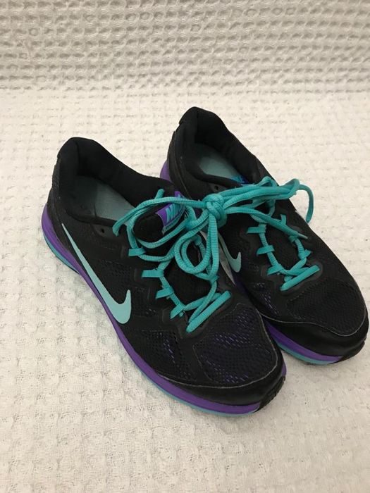 Adidași sport Nike
