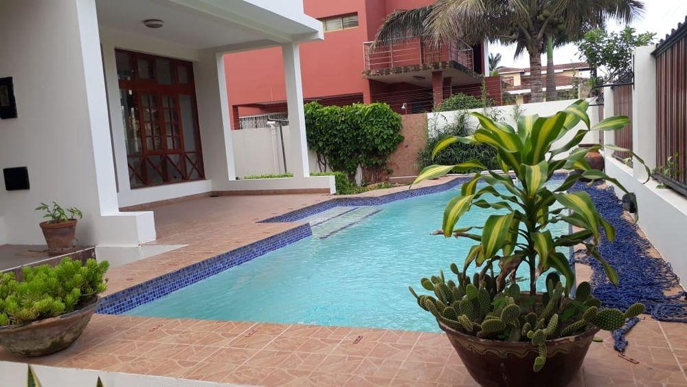 Arrendase luxuosa moradia TP4 DUPLEX COM piscina na sommarshilde Sommerschield - imagem 2