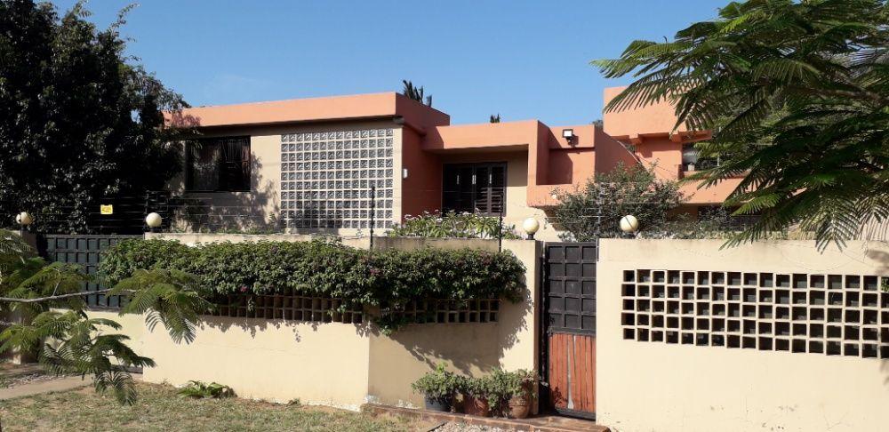 Vende-se Guesthouse/Pousada de 9 Quartos com vista a praia naCatembe