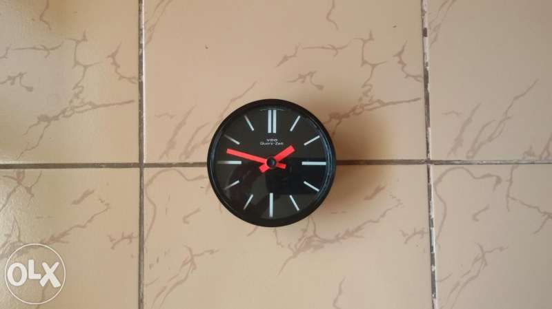 Часовник VDO