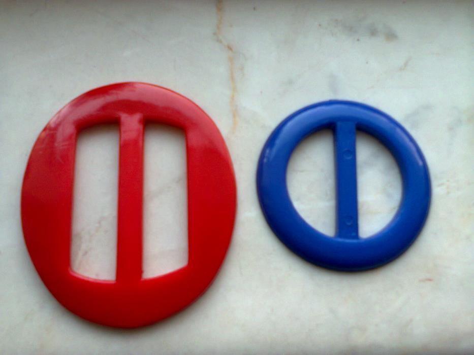 Пластмасови токи-нови! сини- 280бр. червени-50бр.