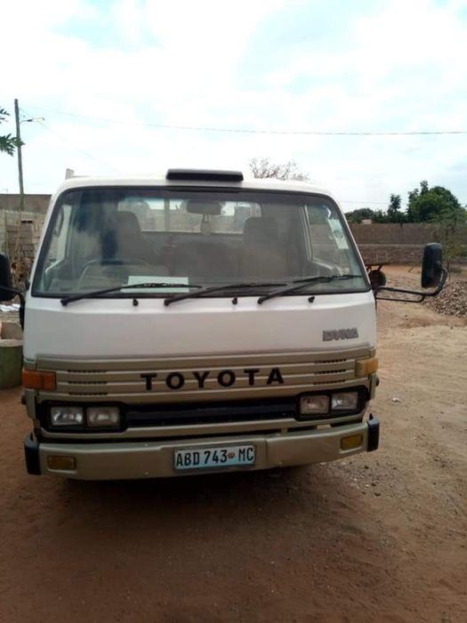 Toyota Dyna 4 Toneladas