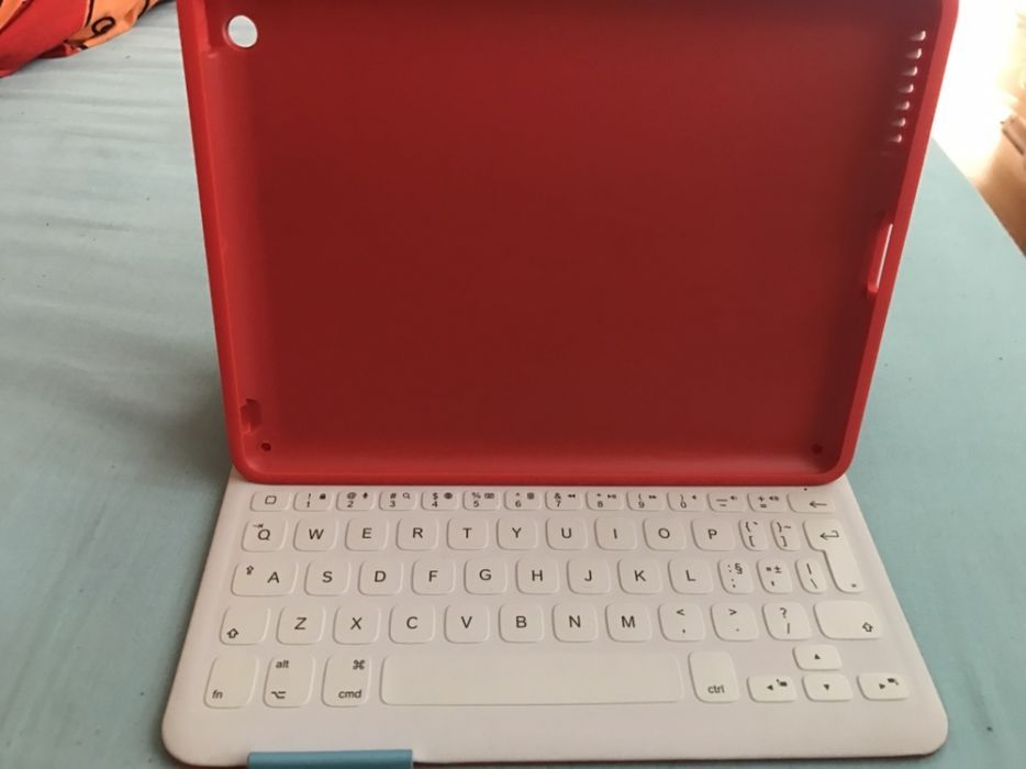 Tastatura iPad 4 Logitech