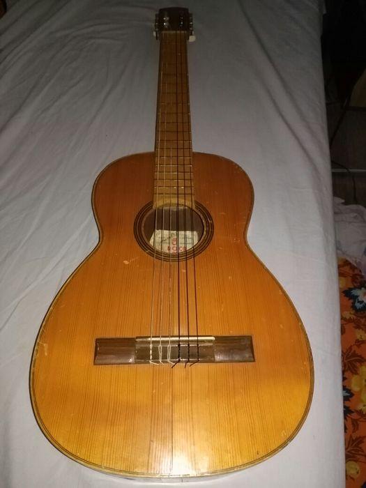 Старинна испанска китара Рока