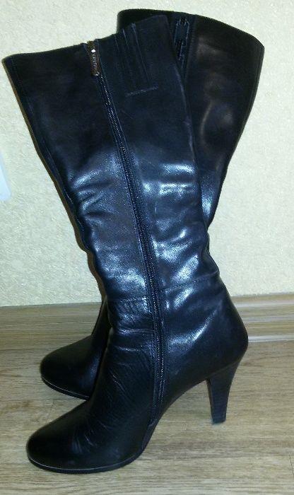 Продам женские кожаные сапоги, демисезонные размер 36