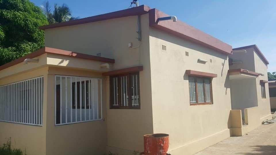 Vendese casa tp3 nova com tecto falso pronta habitar em laulane
