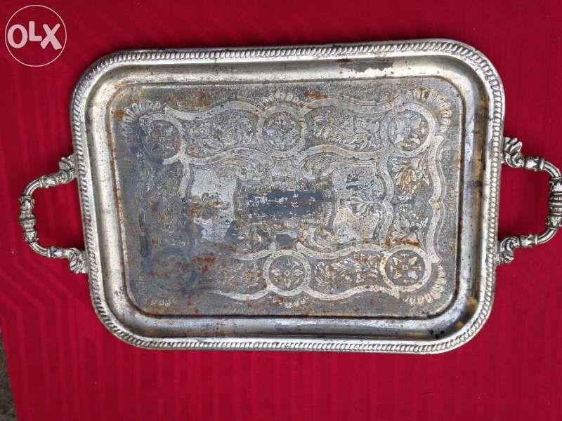 Старинни метални табли за сервиране