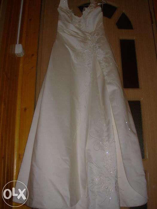 rochie mireasa si accesorii