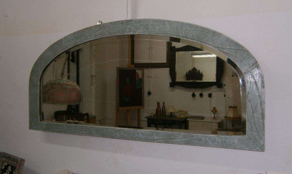 Oglinda veche din cristal cu rama din lemn (Mobila/Crystal mirror)