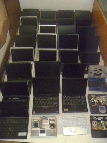 Лаптопи за части.