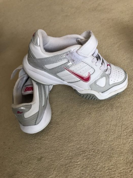 Tenisi Nike pentru copii