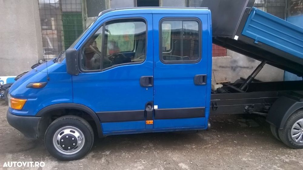 Iveco Daily 35C13, 7 locuri, an 2003