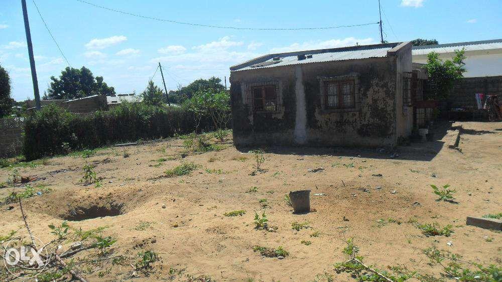 vende-se propriedade no kongolote perto da ustm agricultura/n1- molumb Maputo - imagem 6