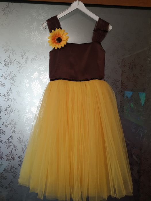 Rochie fetita floarea soarelui