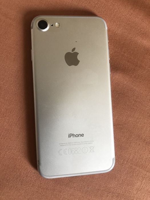 Iphone 7 silver 32gb clean