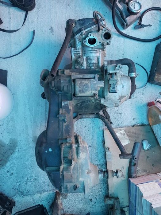 dezmembrez motor piaggio aprilia gilera malaguti yamaha 125 400 cmc lt